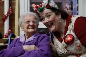 """Victoria Sponge"" who entertained Dorothy on her 99th Birthday AKA Karen Kennedy from Moonlight Theatre"